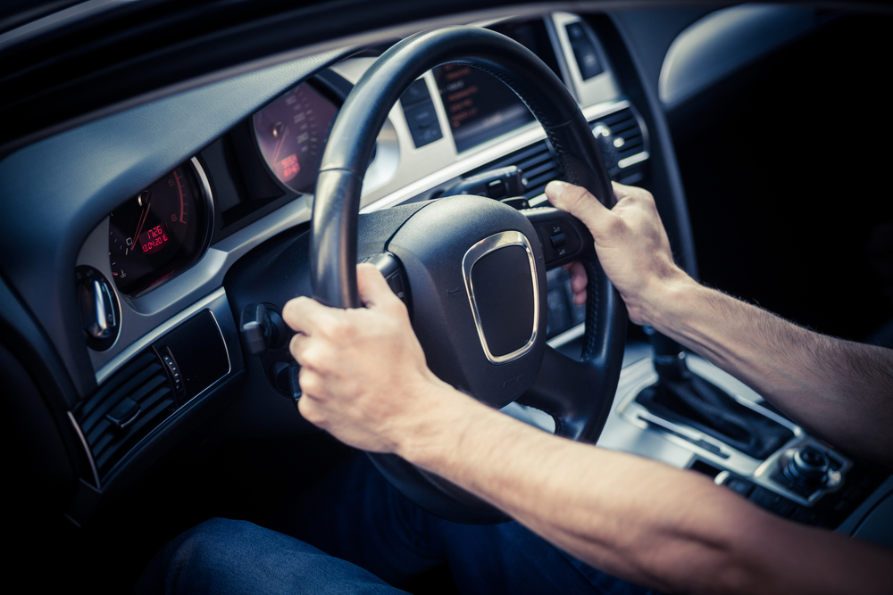 Do You Hold A Steering Wheel Correctly 3 Crucial Aspects Of Safe Driving