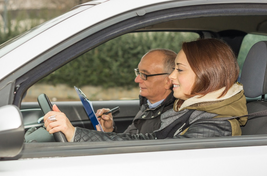 8 Critical Driving Test Tips to Pass Your Behind-the-Wheel ...